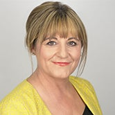 professional headshot of debbie grimshaw