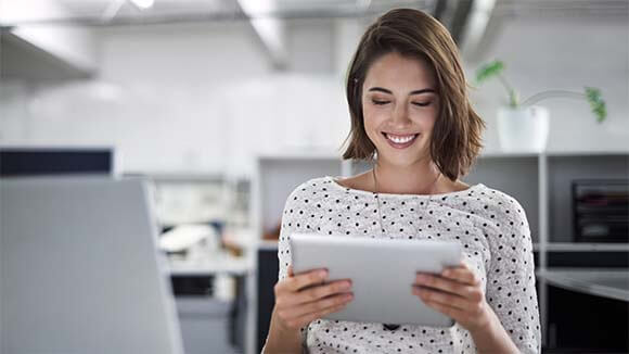 female finance professional looking up latest finance opportunities in Yorkshire